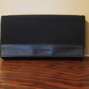 Enzo Angiolini wallet